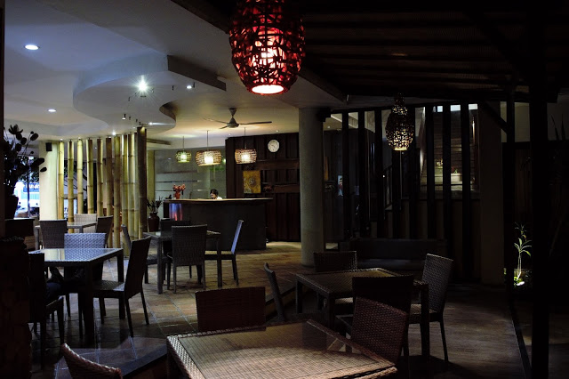 The classy dining area and lounge