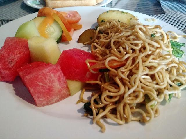 Colorful breakfast plate at Suris buffet breakfast