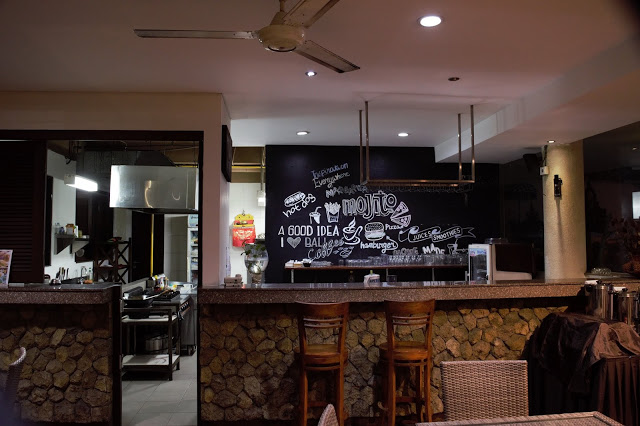 The cute kitchen area of Suris