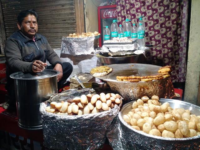Chaat vendor in Mathura