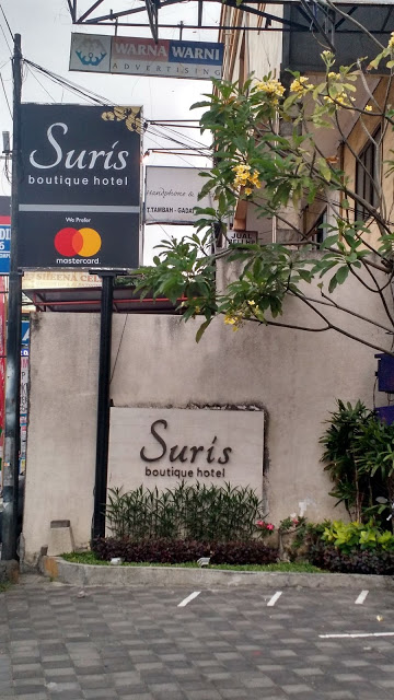 Hotel Suris Boutique Hotel Entrance