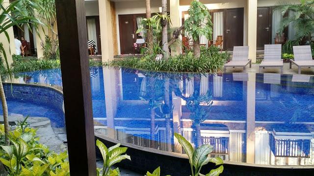 Beautiful pool of hotel Suris