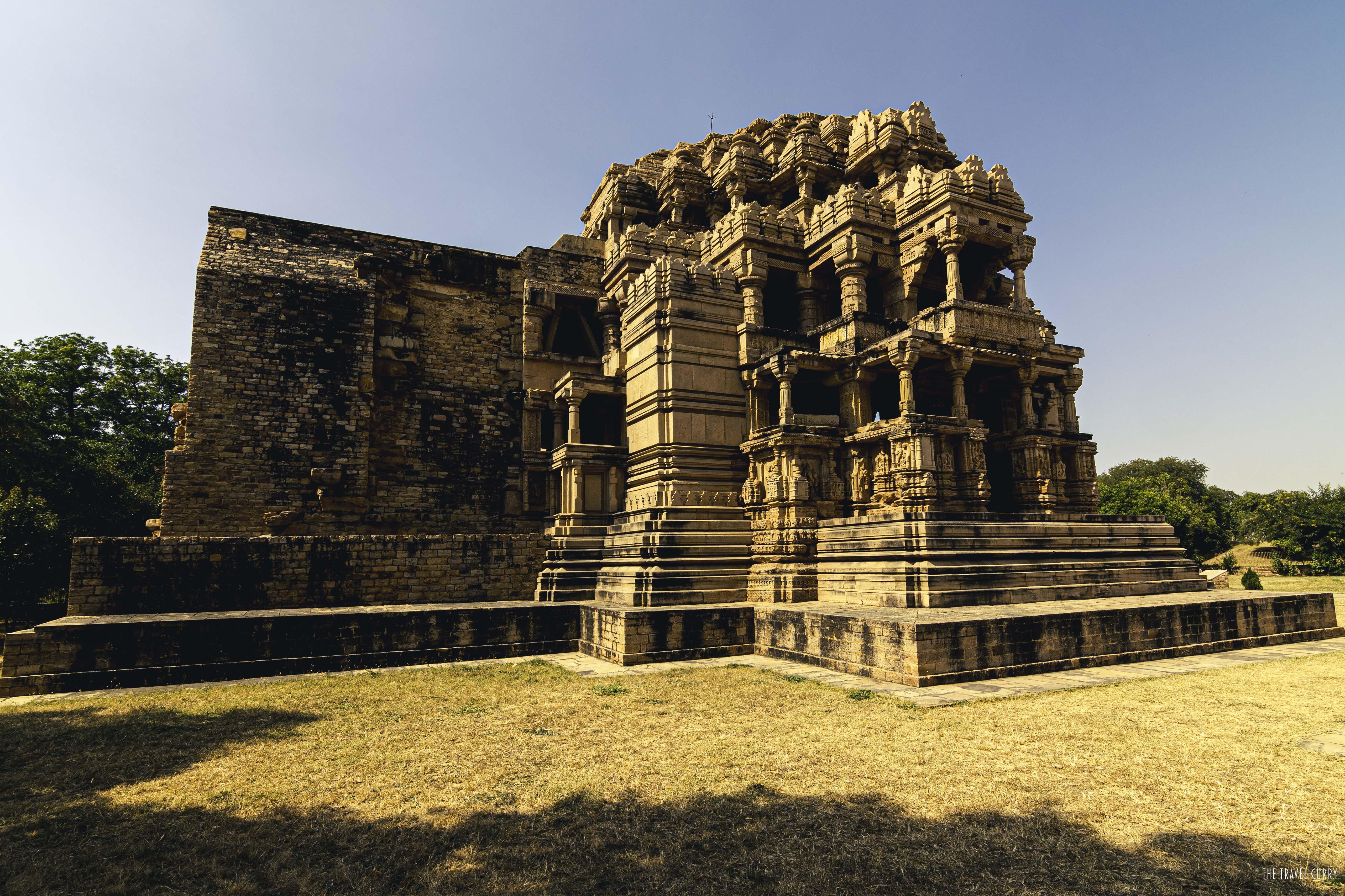 Saah Bahu Twin Temple