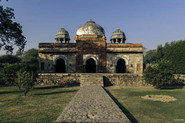 Isa Khan Mosque